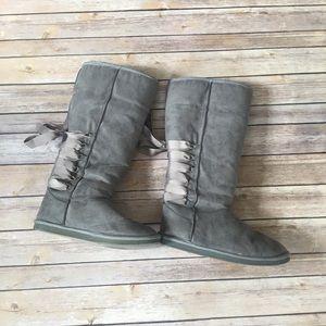 Non-Uggs ShoeDazzle Uggs